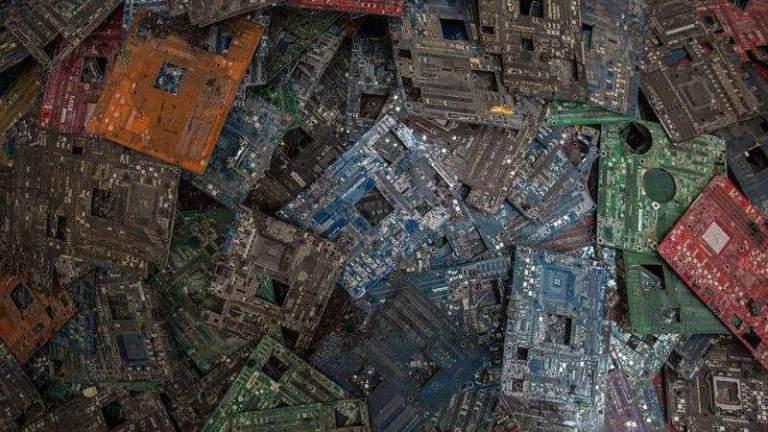 تعدين البيتكوين ينتج ألاف الأطنان من النفايات